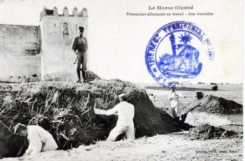 """Carte postale """"Maroc - Prisonniers allemands au travail - aux tranchées"""""""