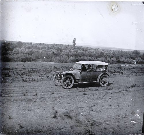 Auto sur la route neuve de Fez - Maroc 1915