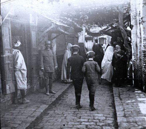 Une rue, Maroc 1915, photo © Joseph Miquel