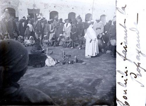 """""""Toubib faisant la propagande"""" - Maroc 1916-1917 Photo ©Joseph Miquel"""