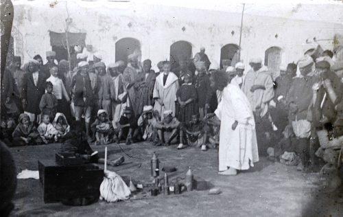 """""""Toubib faisant la propagande"""" - Maroc 1915-1916"""