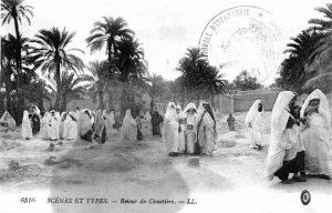 Carte postale Maroc 1916 - retour du cimetiere