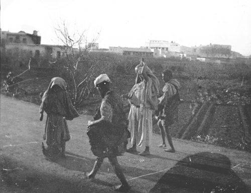 Marocains sur la route - Maroc 1915