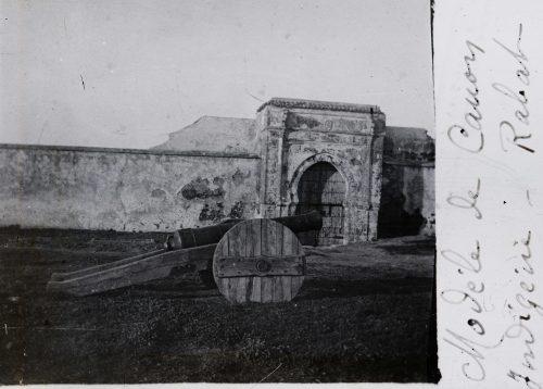 """Maroc 1915 - Photo © Joseph Miquel """"Modèle de canon indigène - Rabat"""""""