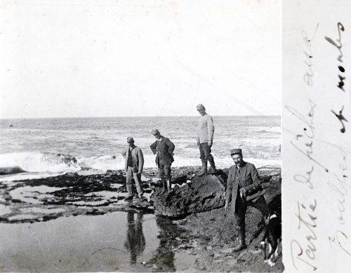 Partie de pêche aux poulpes et moules - Maroc Rabat 1917 - photo collection Joseph Miquel