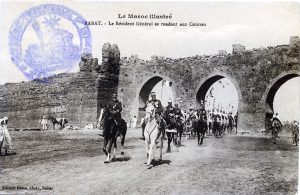 Rabat, le résident général se rendant aux courses